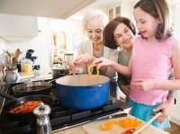 Британские ученые: женщины начинают готовить вкусно с 55 лет